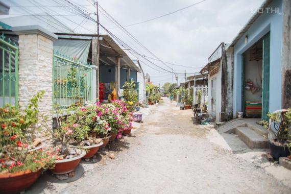 Bán đất trung tâm thị trấn Đức Hòa, mặt tiền kinh doanh chợ. Giá 1,25 tỷ, SĐ 98 m2