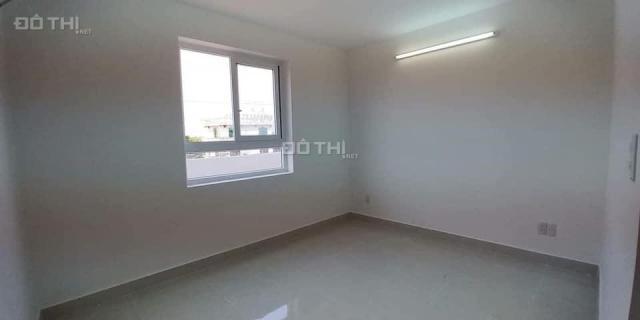 Bán căn hộ Tara 81m2 2pn , tầng thấp hướng mát , co hỗ trợ vay  . LH 0906226149
