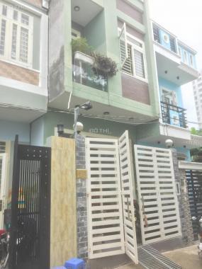 Bán nhà phố HXH 4,5m đường 32, Linh Đông, DT: 51m2, 3 tầng, giá 3,8 tỷ