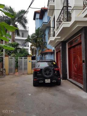 Bán nhà đẹp Thạch Bàn 34m2 x 4,5T, ngõ 5m ô tô để trong nhà (cách trường cấp 3 Thạch Bàn 150m)