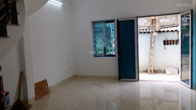 Bán nhà Liên Mạc, Bắc Từ Liêm, xây mới kiên cố, sổ đỏ sang tên ngay, trả góp chỉ cần có 599tr