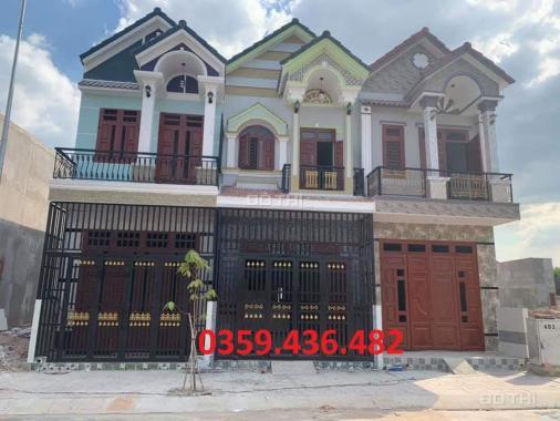 Mở bán nhà phố liền kề đẹp 1 trệt, 1 lầu, giá 880 tr nằm ngay trung tâm thương mại Vĩnh Cửu