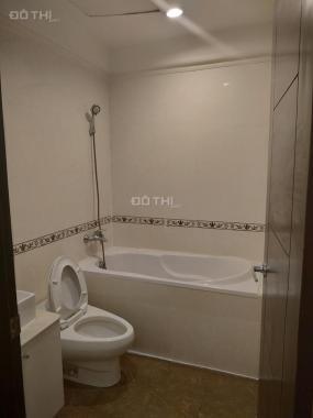Cho thuê căn hộ The Flemington, đường Lê Đại Hành, Q. 11, 87m2, 3 phòng ngủ, 2wc, nội thất đầy đủ