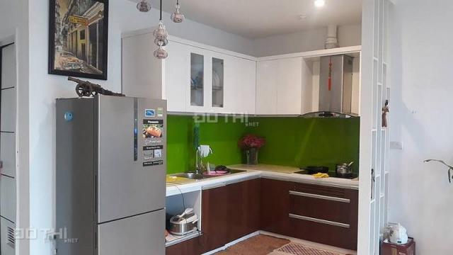 Chính chủ cần tiền bán gấp căn hộ chung cư 3 PN, 93m2 gần đường Nguyễn Trãi tầng đẹp giá rẻ