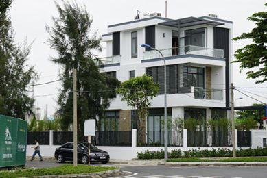 Bán biệt thự 8x20m nằm tại mặt tiền đường Lã Xuân Oai, quận 9