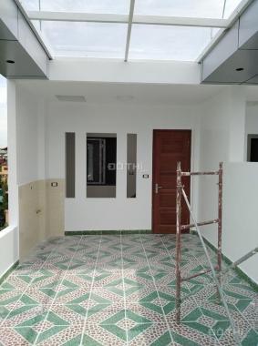 Bán nhà ngõ 50 Võng Thị: 32m2*5 tầng/3 tỷ, nhà đẹp, ngõ rộng 2.5m, gần Hồ Tây