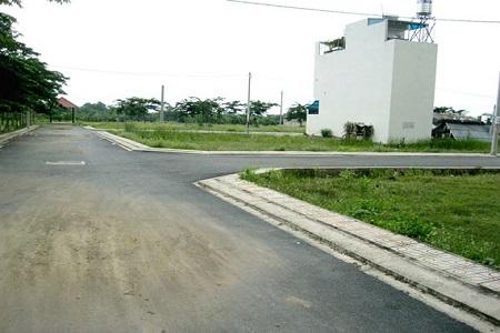 Tôi cần bán lô đất Sở Văn Hóa, Phú Hữu, quận 9, 90m2 với 24tr/m2. Đã có sổ đỏ mang tên tôi