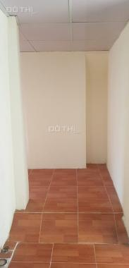 Chính chủ gia đình cần bán căn hộ tập thể tầng 3 khu D Bắc Thành Công, quận Ba Đình 1,75 tỷ