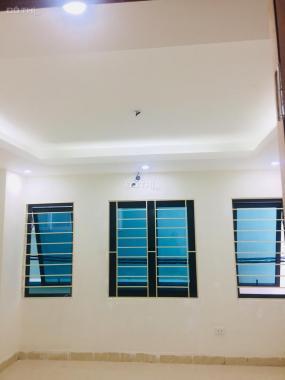 CC bán nhà Bùi Bằng Đoàn, HĐ - HN: DT 37m2/4 tầng, ô tô cách 10m, MT 5.5m, 3.7tỷ ra lộc: 0967188467