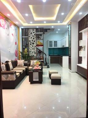 Bán nhà phố Dương Quảng Hàm, 38m2 * 5T siêu đẹp, về ở ngay trước tết. LH: 0923 829 272