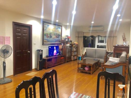 Bán căn hộ 3 phòng ngủ 128m2 để lại toàn bộ nội thất tại chung cư 17T Hapulico, giá 30 tr/m2
