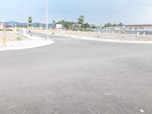 Bán gấp lô đất DT 68m2 ngay An Phú, Thuận An, nằm ngay VSIP 1, giá 1.45 tỷ, đã có sổ. 0979056186