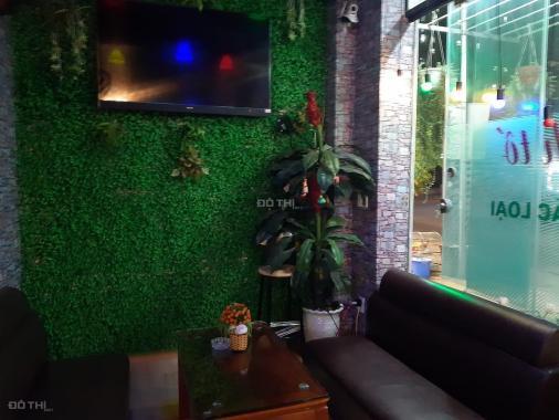 Sang nhượng quán cafe bóng đá karaoke DT 60 m2 ba mặt tiền 4 m + 4 m + 10 m vỉa hè rộng phố Lê Lai