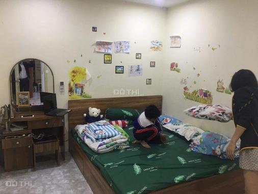 Chính chủ bán căn 45m2 gồm 2 ngủ nội thất HH1 Linh Đàm, giá 780 triệu, LH 0963289215