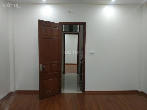 Tôi cần bán nhà mặt ngõ Đê Trần Khát Chân, 45m2, mới cứng 4 tầng, SĐCC, giá: 2,98 tỷ có TL