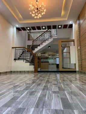 Cho thuê nhà mặt tiền Số 4 Trần Quang Khải ngay Hai Bà Trưng, Quận 1