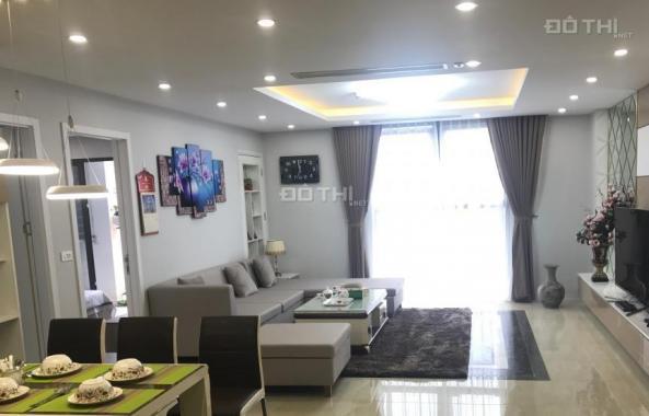 Cho thuê căn hộ tòa Chelsea Park Trung Kính, căn góc 3 phòng ngủ tầng trung view bể bơi full đồ
