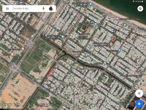 Chính chủ gửi bán lô đất hai mặt tiền, view kênh, thông ra Hoàng Thị Loan. Giá chỉ bằng lô ống
