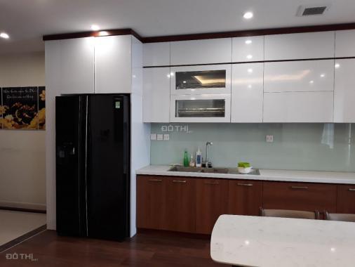 Cho thuê căn hộ chung cư Việt Đức Complex 80m2 2 PN full đồ giá rẻ