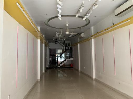 Cho thuê nhà MT: 4m DT: 76m2 nhà 2 tầng phố Đà Nẵng, gần Co.op Mart giá rẻ
