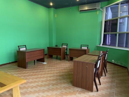 Cho thuê văn phòng coworking chia sẻ chỗ ngồi tại Thụy Khuê, có không gian cafe