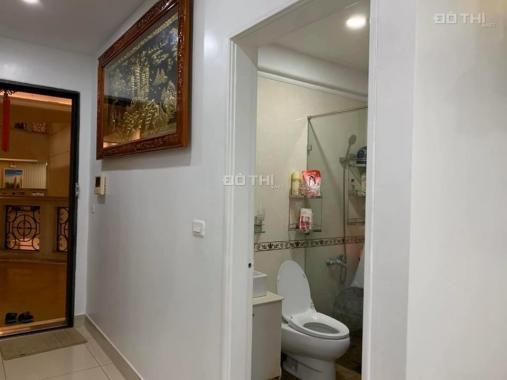 Mình cần bán căn hộ The Flemington, đường Lê Đại Hành, Quận 11, 87m2, 2 phòng ngủ, 2 toilet