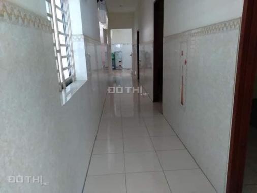 Cho thuê nhà mặt tiền Nguyễn Văn Lộng, gần chợ Chánh Mỹ, 1 trệt, 1 lửng, 2PN, có sẵn máy lạnh
