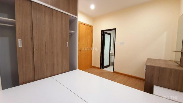 Cho thuê căn hộ chung cư 2 phòng ngủ tòa Liễu Giai Tower tầng cao giá tốt