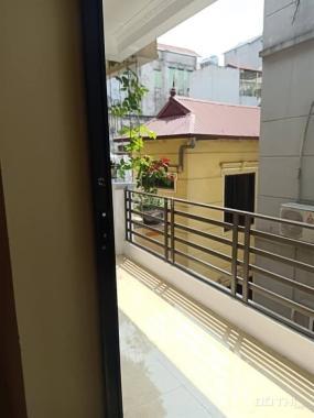 Bán nhà phố Nguyễn Phúc Lai, Đống Đa lô góc, 2 mặt thoáng, gần hồ, MT 4,2m. giá 6,5 tỷ