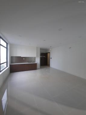 Cho thuê căn studio 32m2, có ban công riêng, giá 6.5 triệu/tháng, bao phí quản lý 1 năm