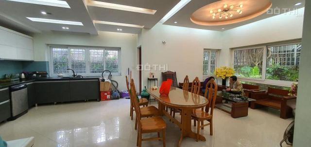 Biệt thự nhà vườn Văn Phú, Hà Đông, 240m2, 3 tầng, đường 12m vỉa hè cây xanh, hoàn thiện đẳng cấp