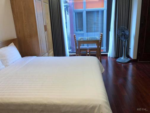 Cho thuê căn hộ 1 phòng ngủ, 1 phòng khách - full đồ Kim Mã, 50m2, view hồ