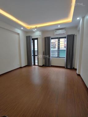 Bán nhà mặt phố Đỗ Quang, DT 95m2 x 5T, MT 7,5m to đẹp, sổ đỏ chính chủ, 32 tỷ, 0937 085 668