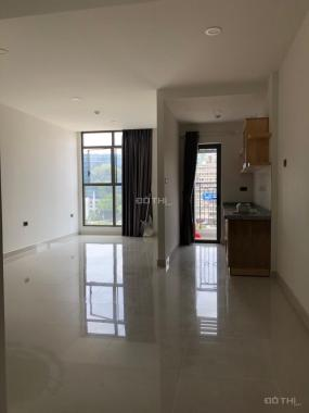 Bán căn officetel Saigon Royal, 42m2, giá 3.5 tỷ có bếp, LH 0918753177