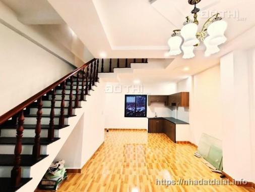 Cần bán nhà nằm trong khu biệt thự sang trọng của thành phố Đà Lạt