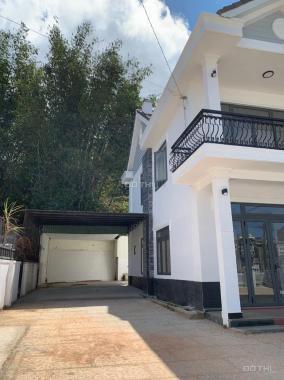 Bán villa 750m2 (33x24m) hẻm nhựa 10m đường Hai Bà Trưng bán 23 tỷ vào việc nhanh chính chủ, sổ đẹp