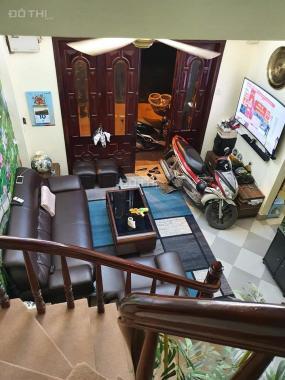 Phố vip Huỳnh Thúc Kháng, Đống Đa 30m2 x 4 tầng, ô tô vào nhà, nhỉnh 4 tỷ, 0869630495
