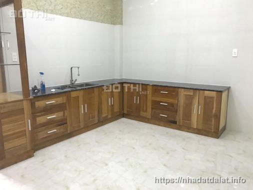 Cần bán nhà mới xây, khang trang, thiết kế hiện đại, thuận tiện cho sinh hoạt gia đình