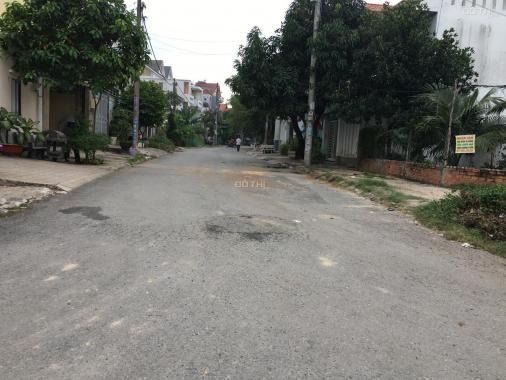 Đất thổ cư, DT: 38x38m, hướng ĐN, hẻm xe hơi đường Lê Thị Riêng, Q12, giá 36 tỷ, LH 0967813059
