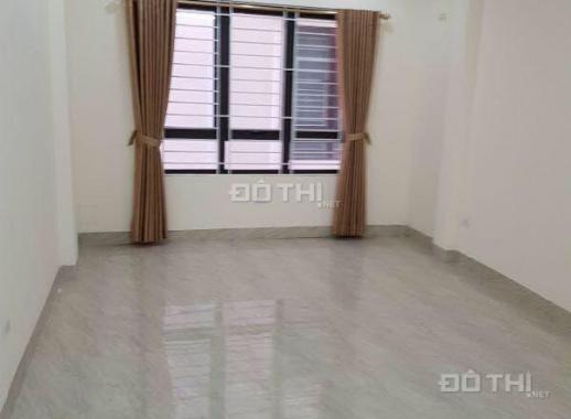 Cho thuê nhà 5 tầng Ái Mộ, Bồ Đề, 40m2/ sàn, giá: 8 triệu/ tháng, LH: 0984.373.362