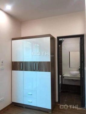 Bán nhà tập thể Thái Thịnh 46 mét vuông, nhà 2 ngủ, 1 khách, giá nhỉnh 800 triệu