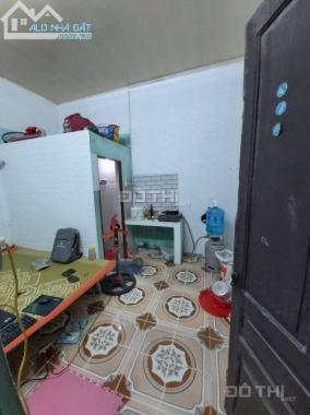 Cho thuê nhà trọ 6 phòng sạch sẽ giá rẻ, riêng biệt, ở Yên Kiện, Ngọc Hồi giá 900k - tháng
