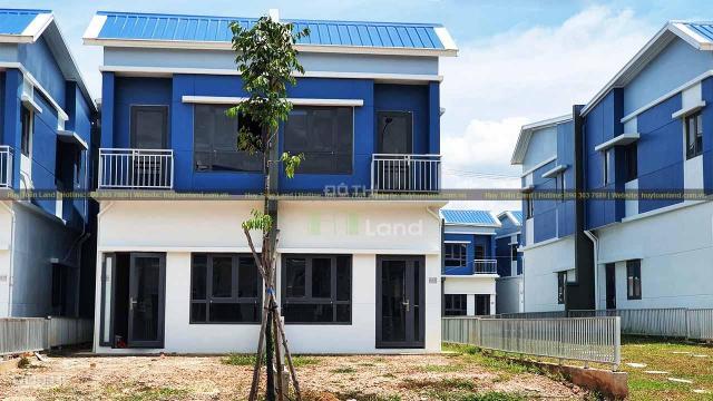 Chính chủ muốn bán nhà phố Oasis City tại Bình Dương, đối diện ĐH Việt Đức