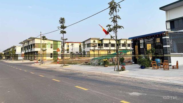 Cho con đi du học bán nhà phố Oasis City Bình Dương, đối diện ĐH Việt Đức