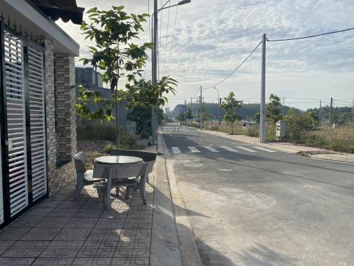 KD khách sạn lỗ bán 2 lô đất ở Bình Dương, TC. SHR, chính chủ