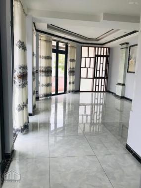 Cho thuê mặt bằng văn phòng 45m2 được ở lại giá 9 triệu/tháng trong KDC Vạn Phúc City Thủ Đức