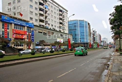 Đất giáp mặt phố Lạc Long Quân thông Trịnh Công Sơn KD 45m2, MT 6m
