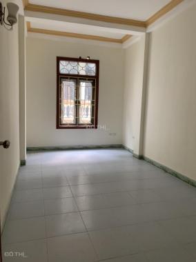 Cho thuê nhà riêng số 25 ngõ 420 Khương Đình, 50m2 x 3 tầng, 4 phòng ngủ, giá 8.5 tr/th