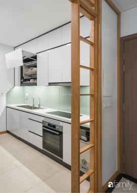 Cho thuê căn hộ 4 phòng ngủ đầy đủ nội thất Vinhomes Skylake, căn góc view hồ điều hòa
