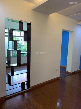 Bán gấp căn hộ 6 phòng ngủ 2 wc đường Hoàng Quốc Việt, Nghĩa Tân, Cầu Giấy. Lh a Minh 0989740437